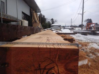 【古い木材を再利用し新たな命を吹き込む】
