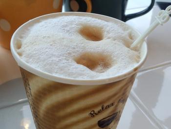 私とカフェラテとカフェモカ。