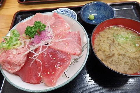 海鮮みんな丼