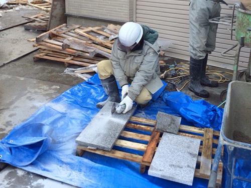 青森市にある阿弥陀寺様<br /> 楼門新築工事の基壇石工事
