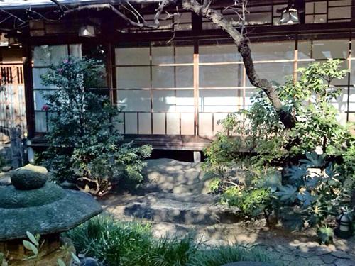 水月ホテル鴎外荘の庭