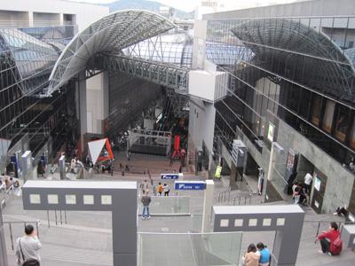 京都駅と京都タワー