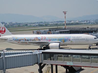 東京ディズニーリゾート30周年の飛行機