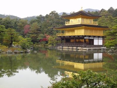 京都を代表する観光スポット「金閣寺」