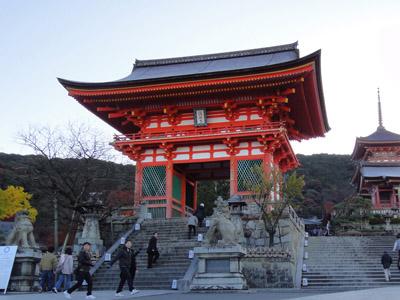 全国の紅葉スポットでも有名な「清水寺」