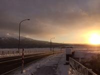 朝日と鳥海山