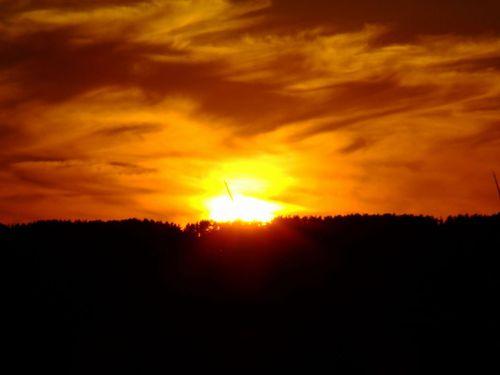 九月の夕の空の色