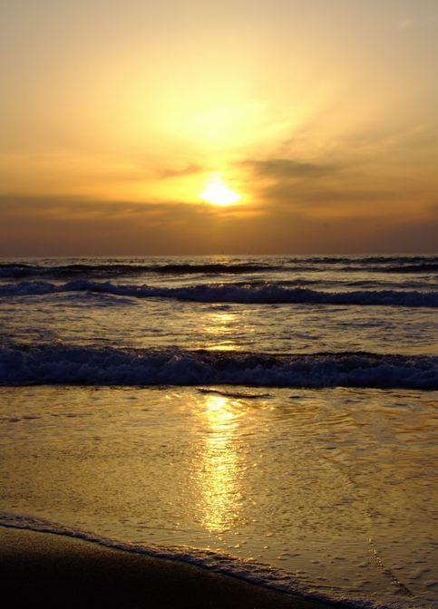 夕暮れ西浜海岸