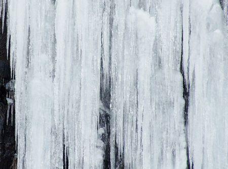 二月の玉簾の滝