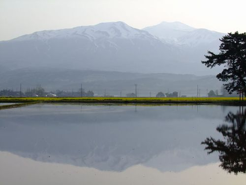 水鏡の鳥海山'14