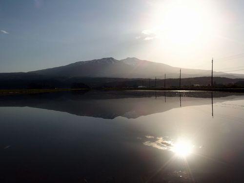 水鏡の鳥海山'16