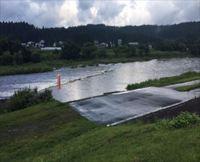 雨で退散、真室川