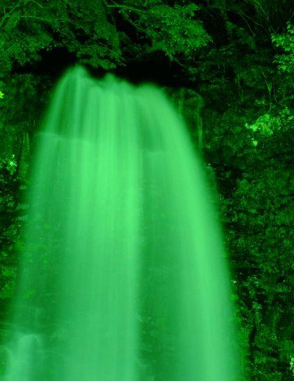 玉簾の滝 夏のライトアップ