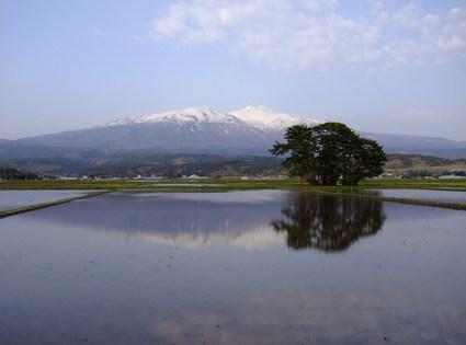 水鏡の鳥海山'10