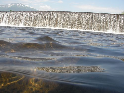 涼しい風の渡る川