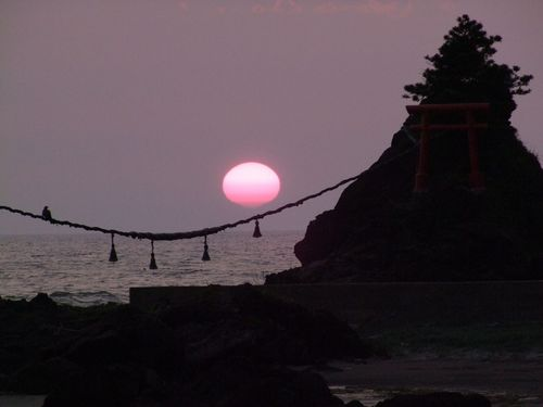 落陽の出羽二見