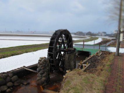 八面川水車の春