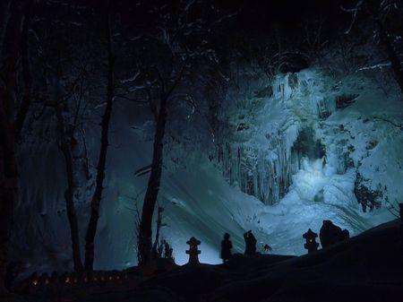 玉簾の滝 冬のライトアップ