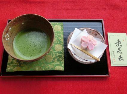 抹茶と四月の和菓子♪