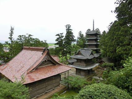 雨上がりの善寳寺