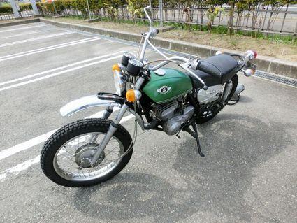 先輩のバイク♪
