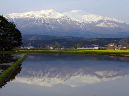 水鏡の鳥海山'13