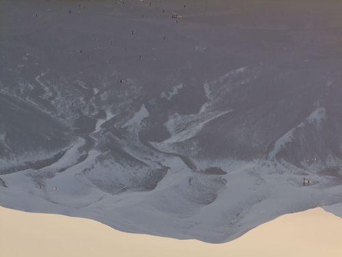 黎明の水鏡 ~今朝の鳥海山~