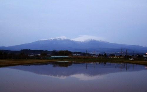 霜月の水鏡 ~水鏡の鳥海山 Ⅲ ~
