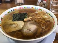 お昼はラーメン( ๑*╹౪╹*)