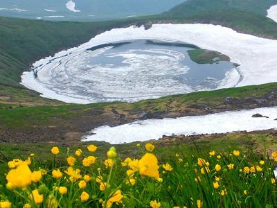 夏の鳥海湖