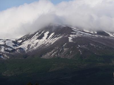 山麓からの鳥海山