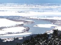 「眺海の森」からの最上川