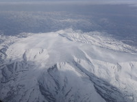 上空からの「月山」