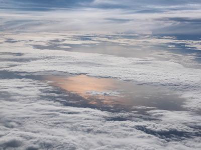 梅雨時の上空