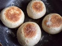 フライパンで丸パン