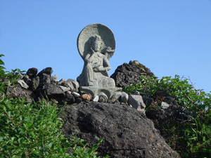 鳥海山外輪山の石仏