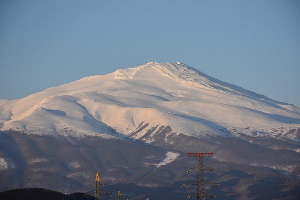 朝日と夕日の鳥海山