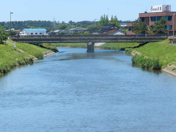 富士見橋から上安橋を望む