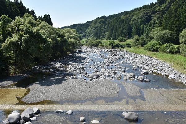 升田地区の日向川