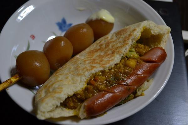 遊佐カレーピタパンと玉こんカレー味