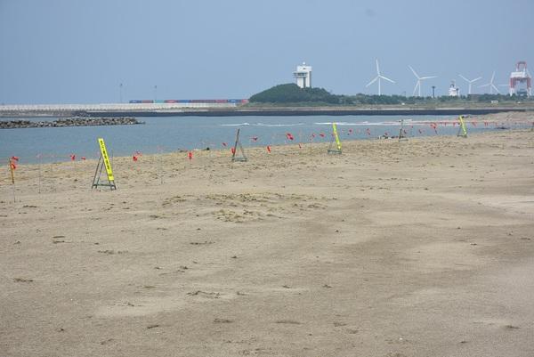 嵐の前の大浜海岸