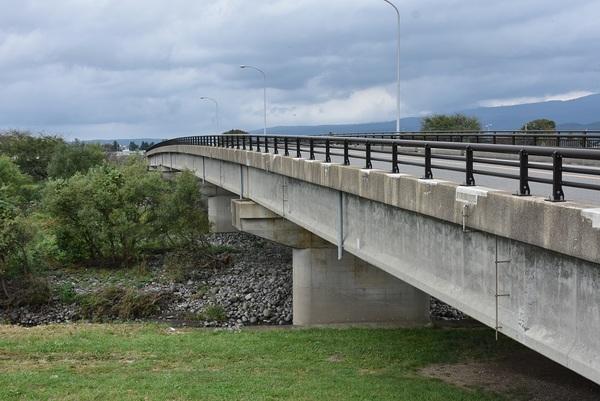 日向川、鳥海橋から昭和橋