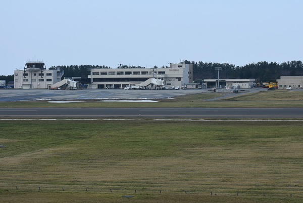 雪のない冬の庄内空港