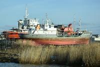陸に上がった鉄の船
