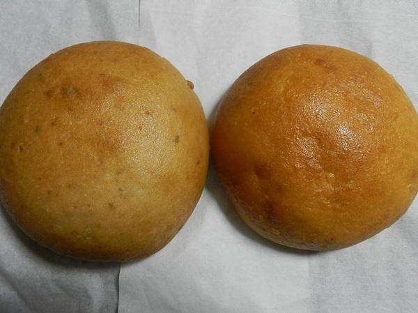 玄米パン、白米パン