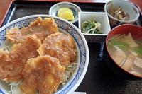 ブルーム46ミソカツ丼