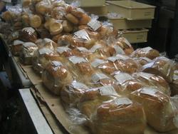 天然酵母パン屋の朝は早い
