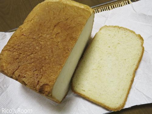 R ドイツ式はかり売り『フォムファス』のオリーブオイル&ホームベーカリーのパン