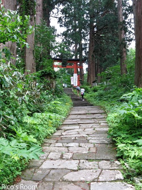 R 羽黒山山頂のご案内/今年5月オープン『ごへい茶屋』へ行ってきました♪