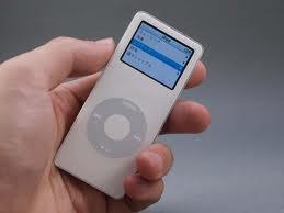 R アップル、iPod nano第1世代の発火問題で無償交換♪